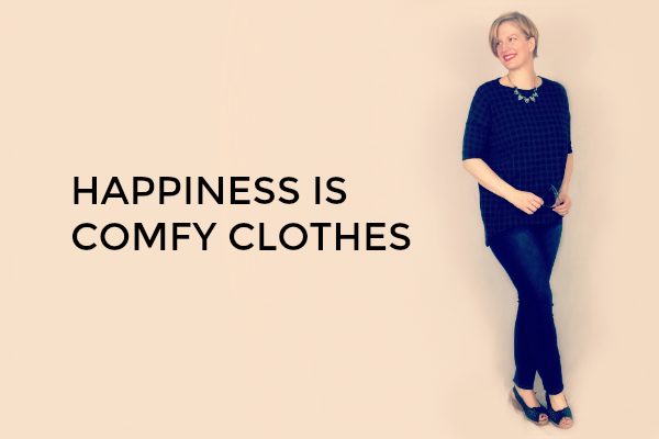 Happiness is Comfy Clothes: How I discovered that LuLaRoe was what I needed in my closet, plus 15 outfits I put together to show you how well their pieces work with what we already own. | Featuring Kim Bongiorno in LuLaRoe Lauren Franklin